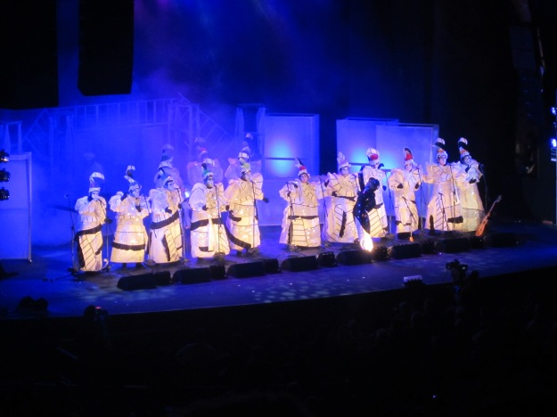 La Leyenda performing their murga at the Teatro De Verano (Feb. 8, 2013)]