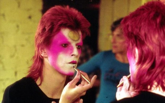 [Applying his Ziggy Stardust makeup in May 1973]