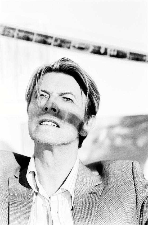 [photo by Ellen von Unwerth, 2003]