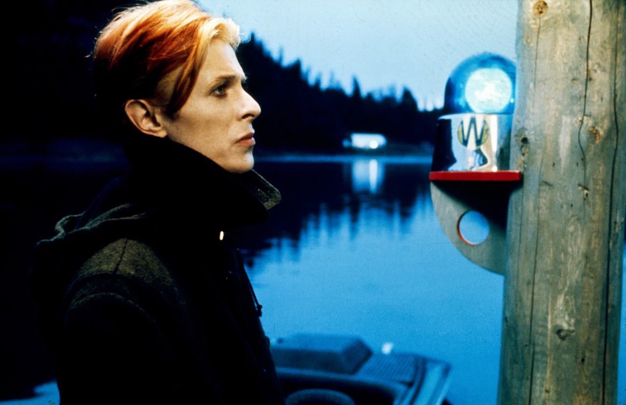 [Nicolas Roeg's The Man Who Fell to Earth (1976) ]