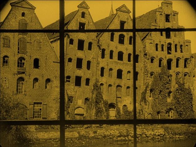 [still from F. W. Murnau's 1922 film Nosferatu: A Symphony of Horror]