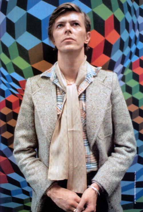 [Bowie visits workshop of Victor Vasarely (whose Folklore Planetaire was the backdrop of the cover of Bowie's 2nd album), Annet-sur-Marne, late June 1977.]