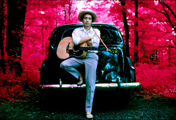 [I Dreamed I Saw St. Augustine – Bob Dylan (photo: Bob Dylan, outside his Byrdcliffe home, infrared color film, Woodstock, NY, 1968. Photo By Elliott Landy)]