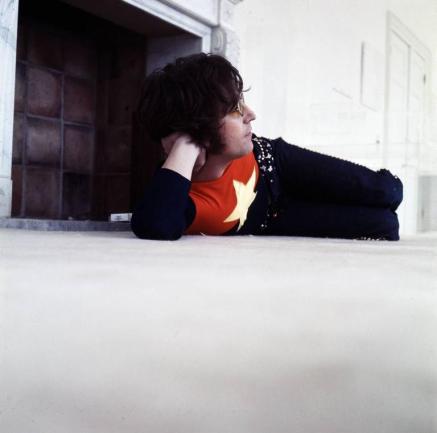 [Crippled Inside – John Lennon (photo by Michael Putland, 1971)]